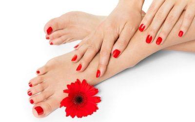 Mani e piedi con semipermanente